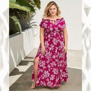 New! 2x 3x Torrid Floral Berry Maxi Dress